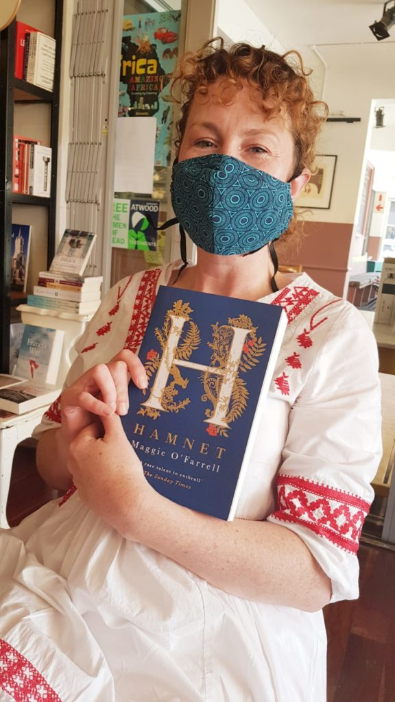 Author-Amy-Hedenrych-holds-on-to-her-copy-of-the-gorgeous-HAMNET-with-a-white-knuckle-death-grip